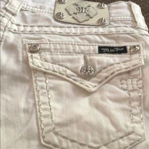 Miss Me Pants - Miss me in white! Capri jeans worn once.